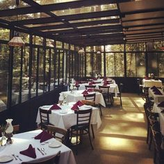 This Magical Restaurant In Northern California Is Hiding Deep The Middle Of Forest