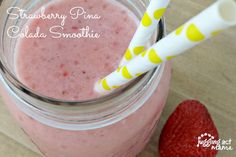 This Strawberry Pina Colada Smoothie doesn't have any alcohol, but it is packed with fresh ripe strawberries and pineapple. Add cream of coconut to this pina colada smoothie for extra creaminess! Strawberry Pina Colada Smoothie Recipe, Pina Colada Cupcakes, How To Make Smoothies, Fruit Smoothies, Smoothie Recipes, Cocktails Made With Rum, Coconut Rum, Fruit In Season, Giveaway