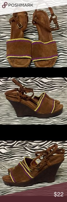 Brown Suede Aerosoles Size 9 Wedge Shoes. Brown suede with Purple and Yellow Lace trimming. Open toe with a buckle ankle strap. AEROSOLES Shoes Wedges