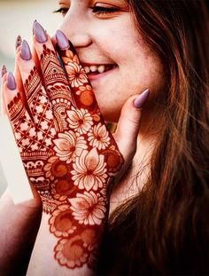 Explore Best Mehendi Designs and share with your friends. It's simple Mehendi Designs which can be easy to use. Find more Mehndi Designs , Simple Mehendi Designs, Pakistani Mehendi Designs, Arabic Mehendi Designs here. Modern Henna Designs, Floral Henna Designs, Henna Art Designs, Mehndi Designs 2018, Wedding Mehndi Designs, Dulhan Mehndi Designs, Full Hand Mehndi Designs, Stylish Mehndi Designs, Latest Henna Designs
