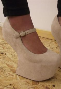 LOVE these but I would definitely fall over...