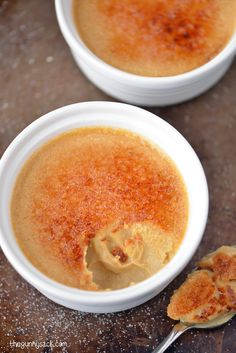 Smooth, creamy Apple Crème Brûlée recipe with a crunchy caramelized topping! This recipe only needs FOUR ingredients!