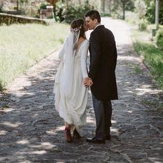 "73 Me gusta, 2 comentarios - SALO MADRID (@salo_madrid) en Instagram: ""@izaskun.e simplemente 💕💕💕💕 #salomadrid #salo #bridalshoes #weddingshoes #velvet #velvetshoes…"""