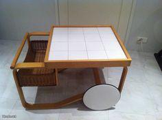 Artek tarjoilupöytä malli 900, suunnitelija Alvar Aalto / Artek dumb waiter model 900, designed by Alvar Aalto