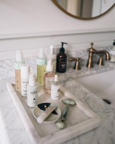 Jess Ann Kirby shares her nighttime clean beauty skincare routine. Jess Ann Kirby shares her nighttime clean beauty skincare routine. Clean Beauty, Diy Beauty, Beauty Hacks, Beauty Makeup Tips, Beauty News, Beauty Room, Beauty Secrets, Beauty Care, Beauty Routines