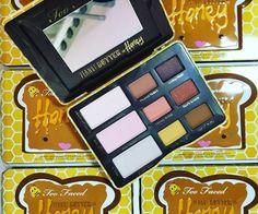 Peanut Butter and Honey Eye Shadow Palette - Too Faced - Blog beauté Les Mousquetettes