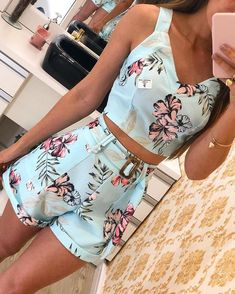 boutiquefeel / Floral Print Thin Strap Top & Short Sets in 2019 Cool Summer Outfits, Cute Casual Outfits, Chic Outfits, Girl Outfits, Summer Shorts, Emo Outfits, Outfit Summer, Teen Fashion Outfits, Fashion Dresses
