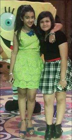 Roshni walia with her friend Little Girl Models, Cute Little Girl Dresses, Girls In Mini Skirts, Cute Young Girl, Cute Little Girls, Beautiful Girl Photo, Cute Girl Photo, Beautiful Girl Indian, Beautiful Indian Actress