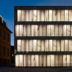 Vetro o marmo?   La facciata della Folkwang Library