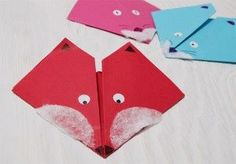 DIY origami fox - so easy! you can use it as bookmark Crafts To Do, Fall Crafts, Crafts For Kids, Diy Origami, Fox Drawing, Disco Party, Autumn Activities, Preschool Art, Scrapbook