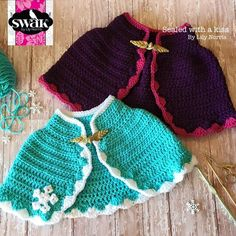 Custom order with the colors from Elsa ;) I love the two versions! You can purchase the pattern or the finished item l! Crochet Princess, Baby Girl Crochet, Crochet Baby Clothes, Crochet For Kids, Princess Anna, Kids Cape Pattern, Crochet Cape Pattern, Crochet Patterns, Free Pattern