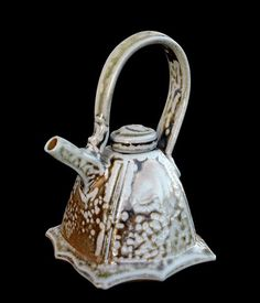Richard Dewer  |  Small, salt-glazed teapot (17 cms).