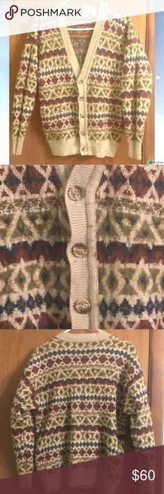 """{Aggio} Vintage Tan Button Front Men's Sweater ❣️Awesome vintage sweater! ❣️Men's! ❣️Secure buttons!  ❣️Fun pattern! ❣️Warm! ❣️Great for Women too!  🌹Comment if you have any questions!  👋😘 """"Like"""" this listing to watch for price drops! ❤️ Aggio Sweaters V-Neck"""