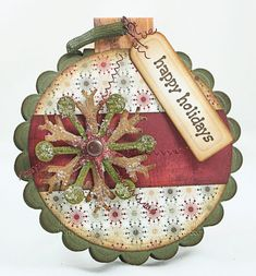 nice holiday ornament card with glitter Christmas Paper Crafts, Christmas Gift Tags, Xmas Cards, Christmas Projects, Handmade Christmas, Christmas Ornaments, Gift Cards, Holiday Cards, Christmas Decor