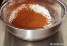 Aprende a preparar torta húmeda de chocolate decorada con esta rica y fácil receta.  Si te gusta los postres con chocolate tienes que probar esta receta, eso sí, no...