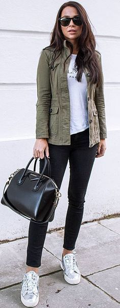 Street style | Khaki vest, messaging shirt and silver sneakers #fashionsneakersoutfit