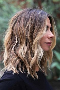 Wavy Shaggy Blonde Balayage Lob length hair 2020 60 Fun and Flattering Medium Hairstyles for Women Balayage Lob, Balayage Short Hair, Bronde Lob, Lob Balyage, Long Bob With Balayage, Ombre Hair, Blonde Balayage Mid Length, Mid Length Blonde Hair, Lob Ombre