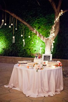 wedding cupcakes/ by Soigné Productions, Enjoy Cupcakes, Melissa Musgrove Photography