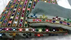 Embroidery On Kurtis, Hand Embroidery Dress, Kurti Embroidery Design, Embroidery Neck Designs, Embroidery Saree, Embroidered Clothes, Beaded Embroidery, Embroidery Patterns, Kutch Work Saree