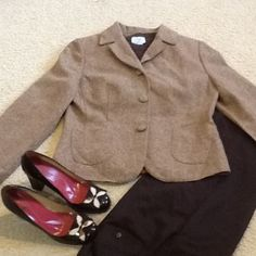 LOFT Brown Tweed jacket This short Jacket is perfect with slcks or jeans, pumps or boots.  It has 3buttons on the front, pockets in the front, and 3 buttons at the end of the sleeves. LOFT Jackets & Coats