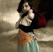 Little Gypsy Girl Stock Images Gypsy Life, Gypsy Soul, Hippie Bohemian, Boho Gypsy, Bohemian Style, Vintage Photographs, Vintage Photos, Vintage Postcards, Gypsy People