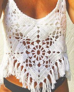 Fabulous Crochet a Little Black Crochet Dress Ideas. Georgeous Crochet a Little Black Crochet Dress Ideas. Blouse Au Crochet, Poncho Au Crochet, Pull Crochet, Mode Crochet, Black Crochet Dress, Crochet Crop Top, Crochet Granny, Knit Crochet, Crochet Fringe