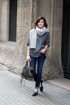 Knit sweater, jeans, loafers & Balenciaga purse. Great weekend outfit. Would also work well as a casual office outfit.
