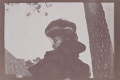 Édouard Vuillard, Misia Natanson de profil en voiture, Cannes, 1901, épreuve gélatino-argentique, 7 x 9,4 cm, Collection particulière (Paris, Archives Vuillard)