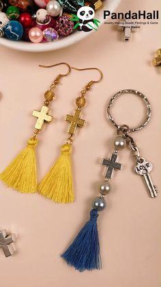 Diy Tassel Earrings, Diy Jewelry Necklace, Beaded Earrings Patterns, Tassel Jewelry, Diy Jewelry Making, Jewelry Crafts, Beaded Jewelry, Diy Earrings Easy, How To Make Earrings
