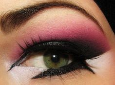 Make up - dont like the eyeliner, but love think pink and purple Make Up Looks, Looks Cool, Purple Makeup, Makeup For Green Eyes, Colorful Makeup, Makeup Trends, Makeup Tips, Makeup Ideas, Makeup Primer