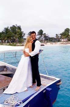 A qui s'adresser ? - Contrat de mariage - Le notaire est le seul professionnel habilité à rédiger un contrat de mariage. Quel que soit le type de contrat choisi - à l'exception du régime de communauté des biens,...
