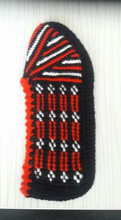 Source by nuranbabaanne Hairstyle Trends, Knitted Slippers, Knitting Socks, Diy And Crafts, Mavis, Crocheting, Tricot, Slippers, Knit Socks