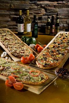 By promoting the organic movement and practicing an eco-friendly approach in all operations of the company, Pizza Fusion is ' Saving the Earth, One Pizza at a Time'. Italian Cooking, Italian Recipes, Pizza Recipes, Salad Recipes, Easy Salads, Easy Meals, Seven Layer Salad, Focaccia Bread Recipe, Feta