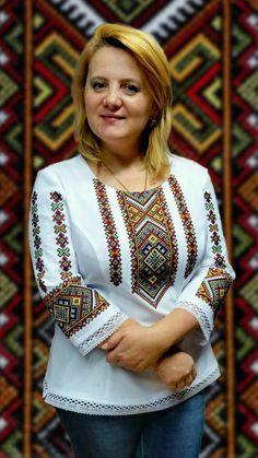 Embroidery On Kurtis, Kurti Embroidery Design, Couture Embroidery, Embroidery Dress, Polish Embroidery, Embroidery Works, Hand Embroidery, Choli Blouse Design, Ethno Style