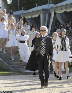 Chanel a la cour de Versailles
