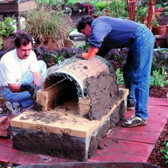 Weekend project: Sunset's classic adobe oven - Build an Outside Oven - Sunset Mobile Build A Pizza Oven, Diy Pizza Oven, Pizza Oven Outdoor, Outdoor Cooking, Pizza Ovens, Outdoor Stove, Outdoor Kitchen Design, Pizza Oven Fireplace, Oven Diy