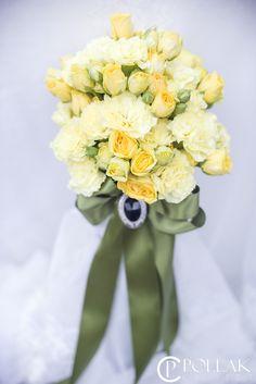 Yellow wedding bouquet by Pollak flowers / Vjenčani buket Pollak cvijeće