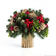 Christmas Flower Arrangements, Christmas Centerpieces, Christmas Decorations, Holiday Decor, Outdoor Christmas, Christmas Wedding, Christmas Time, Christmas Wreaths, Winter Bouquet