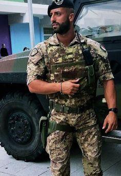Hot Army Men, Sexy Military Men, Hot Men Bodies, Hot Cops, Camo Men, Hunks Men, Men In Uniform, Well Dressed Men, Good Looking Men