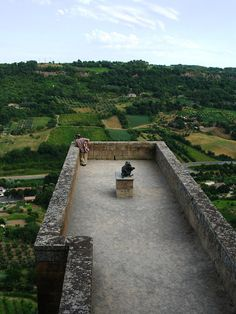 Capture the Colour - Gee, Cassandra. Defense walls towering for green fields-Orvieto, Italy