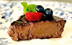 Wildly Rich Chocolate Walnut Pie-Get your hourly source of sweet. Chocolate Truffle Cake, Flourless Chocolate, Gluten Free Chocolate, Chocolate Desserts, Best Gluten Free Desserts, Healthy Desserts, Gluten Free Recipes, Dessert Recipes, Gf Recipes