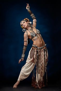 Tribal fusion dance by Lumme-k, via Flickr
