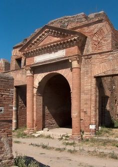 Horrea Epagathiana (Public Warehouse) was built AD at Ostia Antica (the harbor city of ancient Rome, Italy). Ancient Ruins, Ancient Rome, Ancient Greece, Ancient History, European History, Ancient Artifacts, American History, Roman Architecture, Ancient Architecture