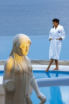 Mykonos Spa Hotel Resort, Saint John is a spa and massage center depicting the philosophy of well being and providing state-of-the-art unique facilities. Saint John, Dream Pools, Wellness Spa, Hotel Spa, Mykonos, Villas, Saints, Greek, Interiors