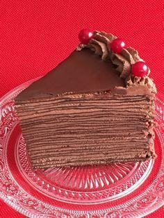 Crepe cake | tarta de crepes de chocolate, receta en español Chocolate Crepes, Chocolate Art, Nutella Chocolate, Crepe Suzette, Chocolate Thunder, Griddle Cakes, Crepe Cake, Best Cake Recipes, Brownie Cake
