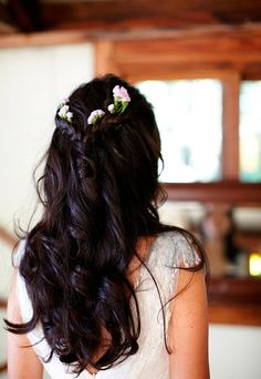 How to wear flowers in your hair: inspiration for the boho bride - Wedding Party