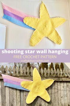 Crochet For Beginners, Crochet For Kids, Crochet Baby, Free Crochet, Crochet Wall Hangings, Crochet Home Decor, Star Wall, Hanging Photos, Shooting Stars