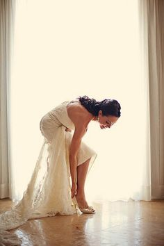 The beautiful bride getting ready for her wedding in Riviera Maya, Mexico! {Elizabeth Medina Photography}