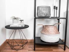 tisch-selbst-bauen-titelbild Ikea Hacks, Diy Tisch, Sweet Home, Bedroom, Table, Industrial, Exterior, Couch, Furniture