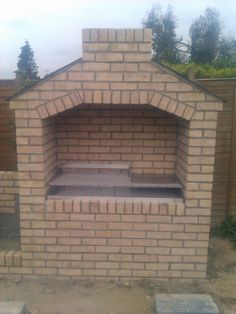 You are interested in: Building brick barbecue photos. Brick Built Bbq, Brick Grill, Built In Braai, Built In Grill, Barbecue Design, Grill Design, Backyard Kitchen, Outdoor Kitchen Design, Barbacoa